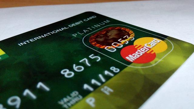 Co to jest karta bankomatowa?