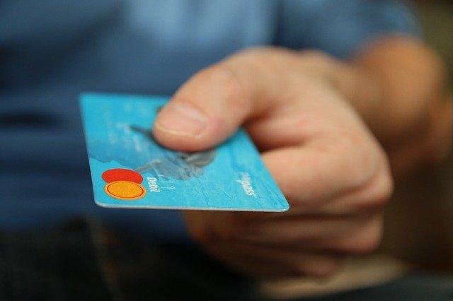 Co to jest karta płatnicza?