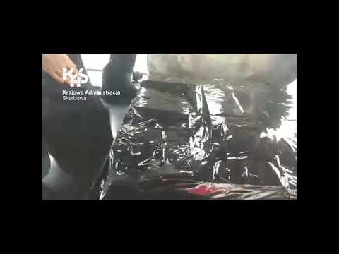 KAS i SG zatrzymały nielegalny transport papierosów w Korczowej (audiodeskrypcja)