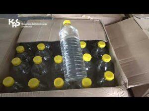 Przekazanie alkoholu na walkę z pandemią (audiodeskrypcja)