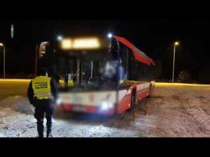 Nocne kontrole autobusów w Koninie