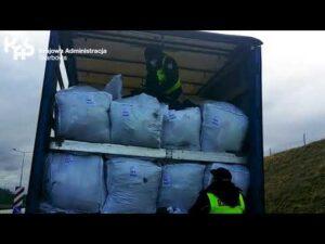 Nielegalny transport 20 ton odpadów zatrzymany przez KAS na A4