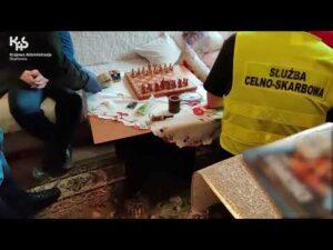 KAS rozbiła grupę przestępczą – akcja na terenie kilku województw (audiodeskrypcja)